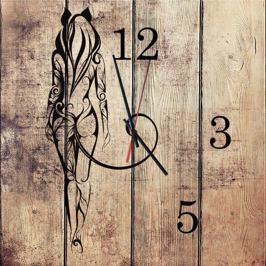 настенные часы Женщина-кошка