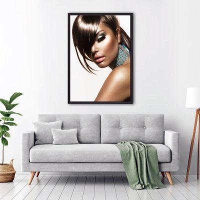 постер девушка