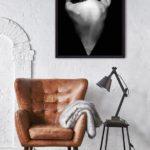 черно белые постеры девушка